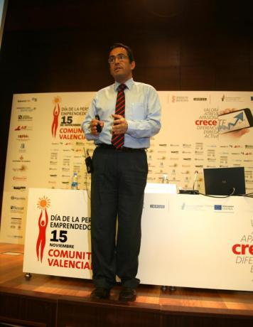 Sesiones Emprende+ DPECV12 Ikeando en las empresas 06