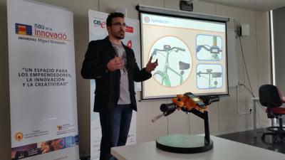 Miguel Navarro ganador de Yuzz UMH con Conecta Bike