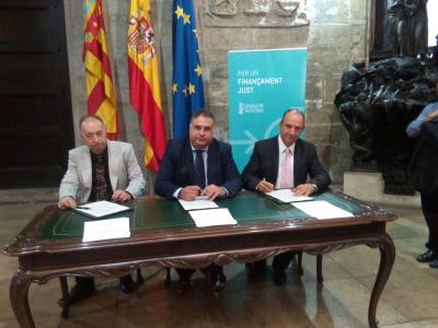 De izqda. a dcha.: José Luis Marqués (AESAL-CV), Emilio Sampedro (FEVECTA) y Miguel Millana (FEVES)