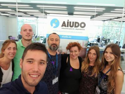 Daniel Ibiza junto a su equipo de AIUDO
