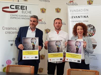Jose Javier García en la rueda de prensa junta a Francisco Sepulcre y Yolanda Llinares