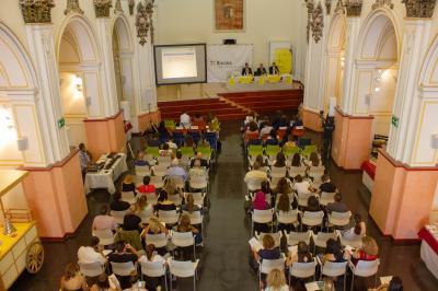 Mesa redonda: Estrategias innovadoras a través de lgualdad, la RSC y la sostenibilidad.